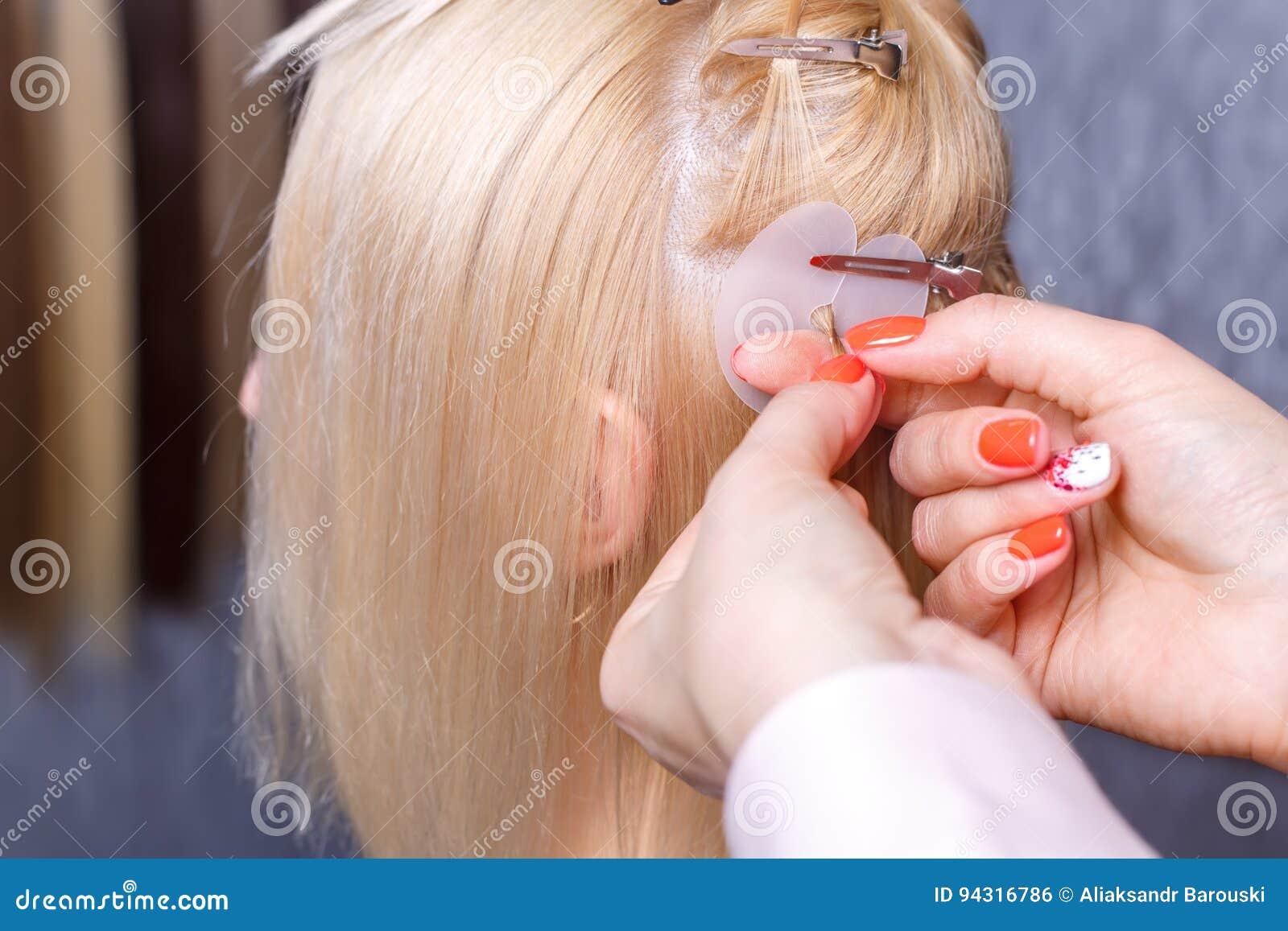 Haarerweiterungsverfahren Friseur Tut Haarerweiterungen Das Junge ...