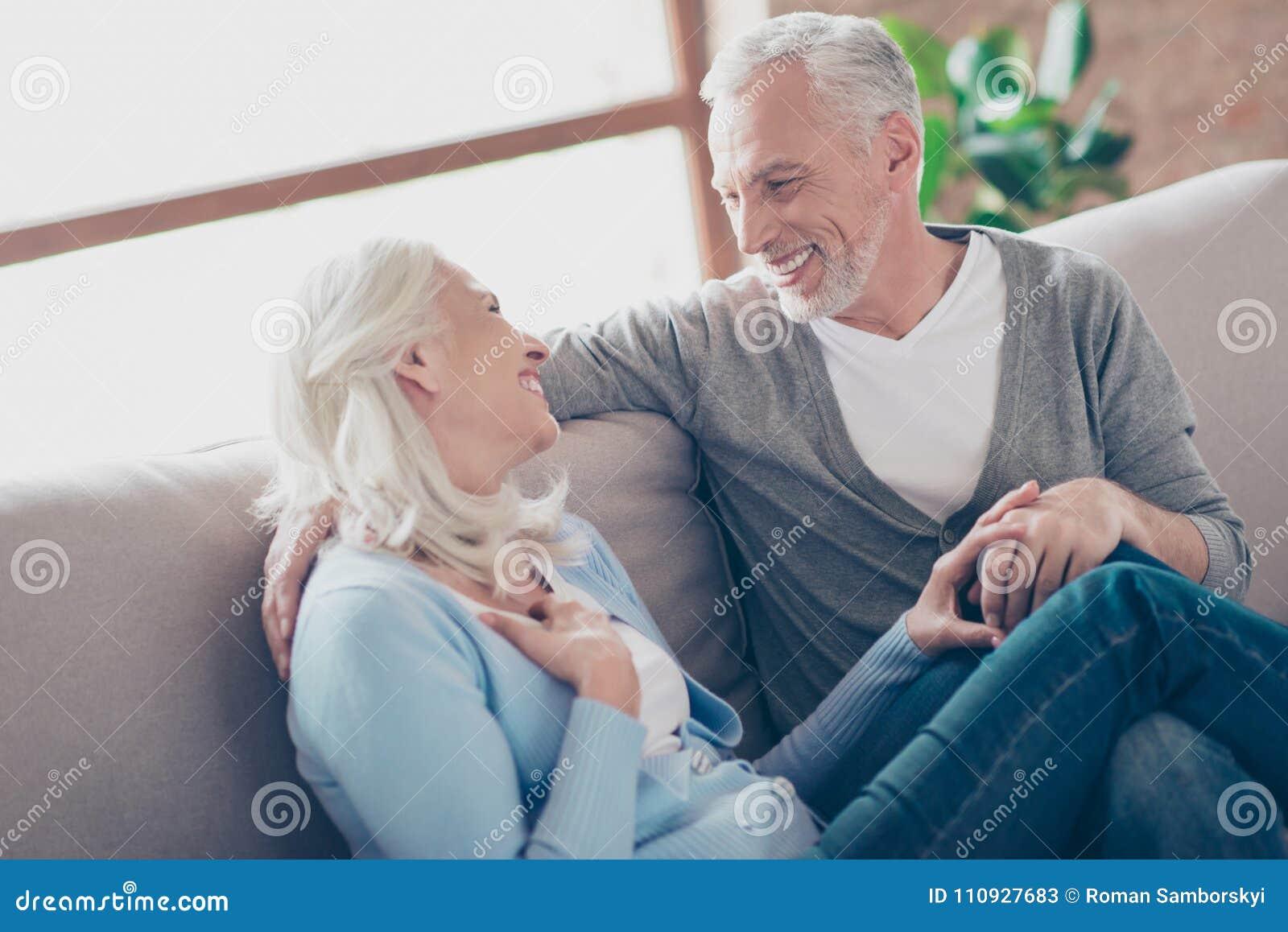 Haber envejecido viejo, caucasianleisure, par mayor feliz que disfruta del tiempo t