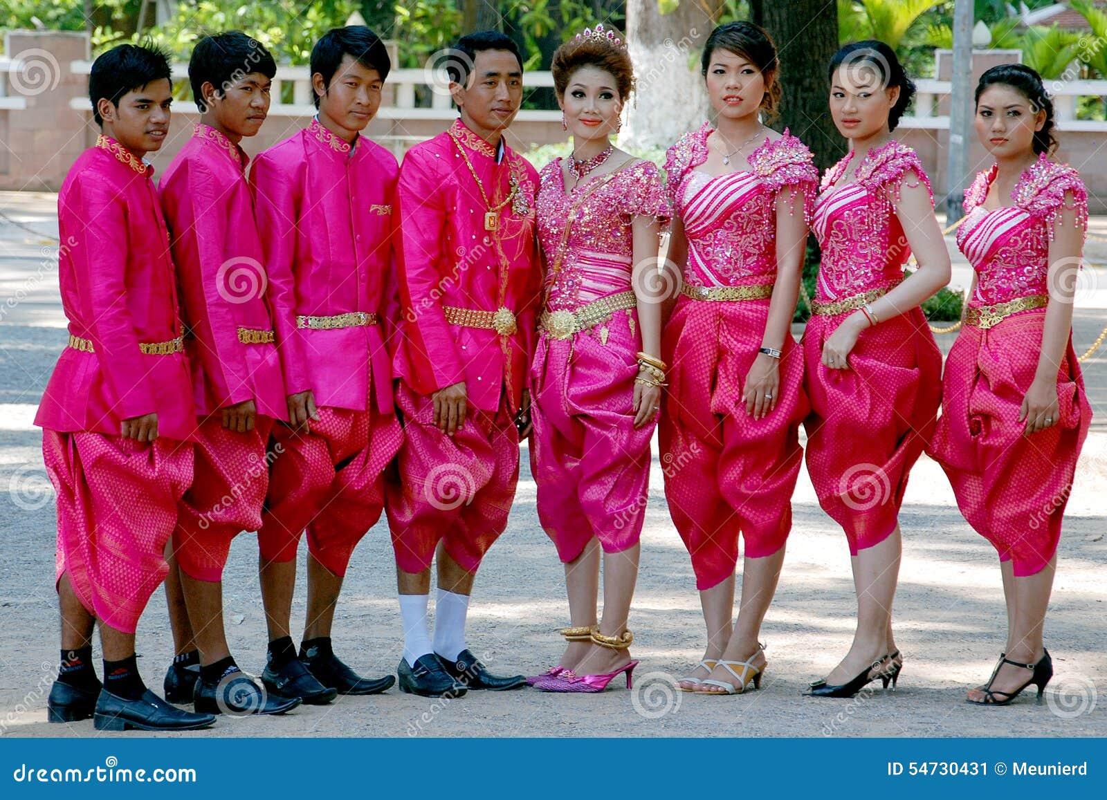 Habillement Traditionnel De Khmer De Mariage Photo éditorial
