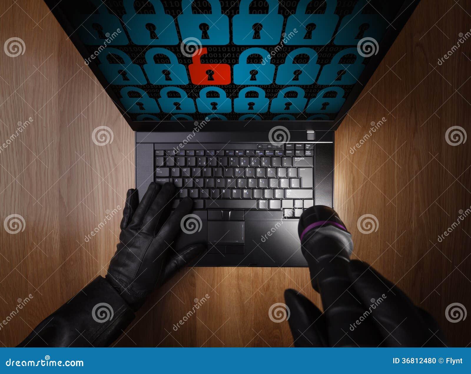 Hacker kraść dane od laptopu