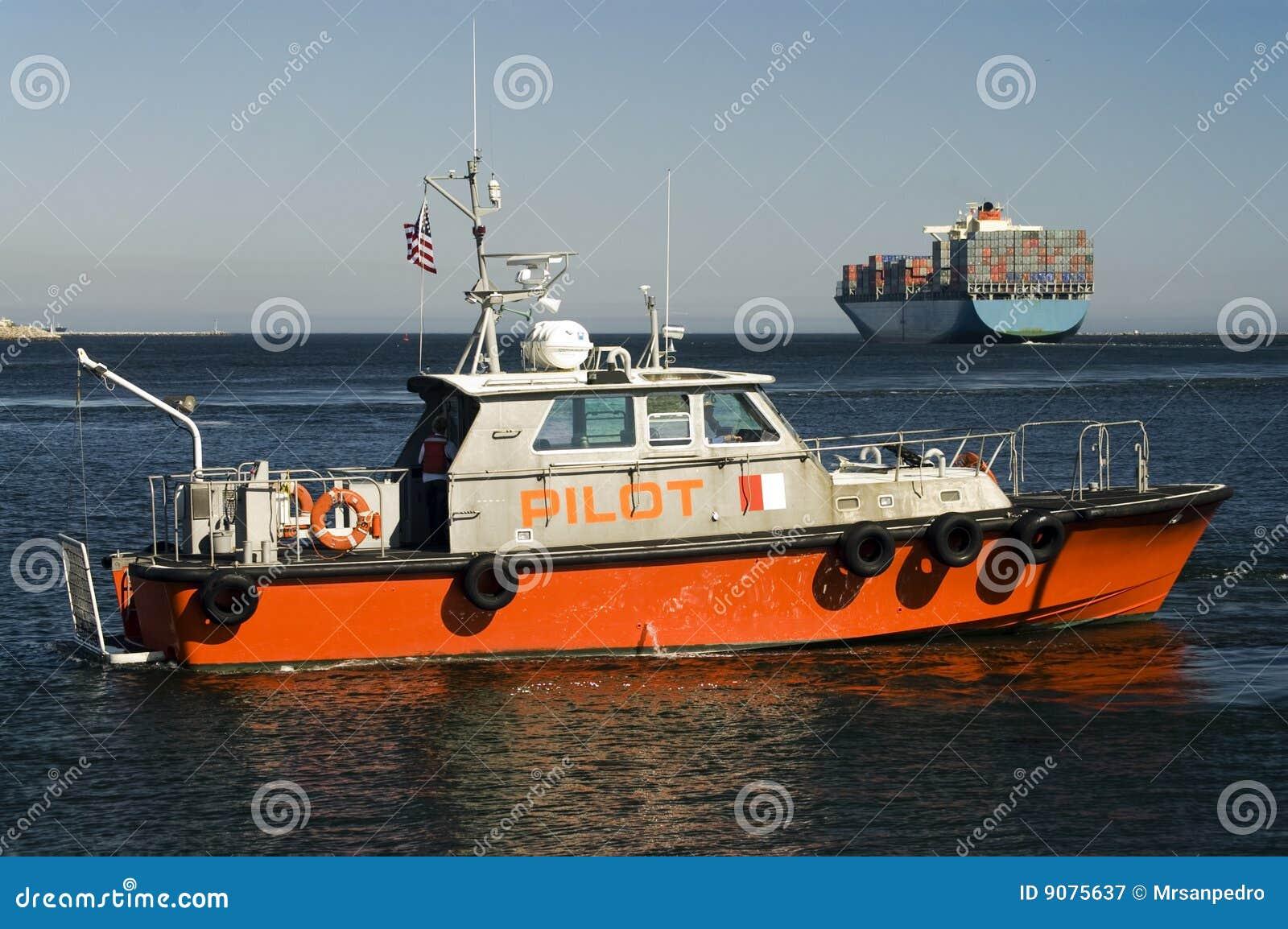 Hafen-Versuchsboots-und Containerschiff