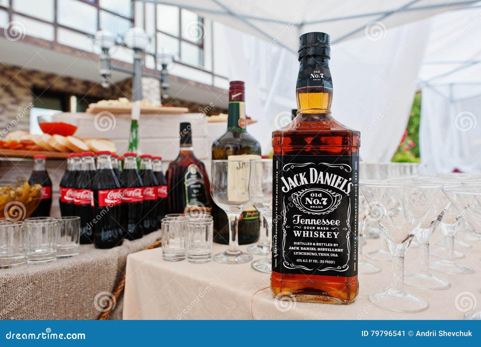 Hai, Ukraine 25. Oktober 2016: Große Flasche Jack Daniels