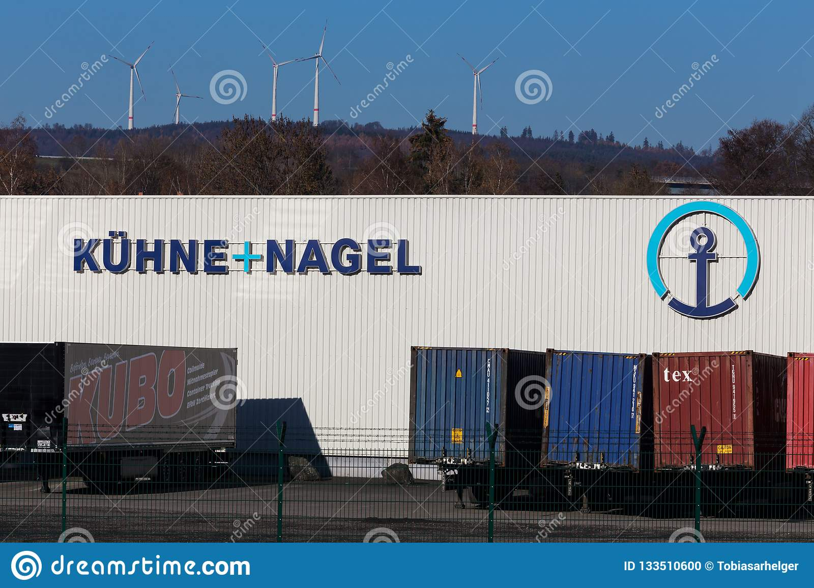 Haiger, hesse/Germania - 17 11 18: il nagel del und del hne del ¼ del kà firma dentro il haiger Germania