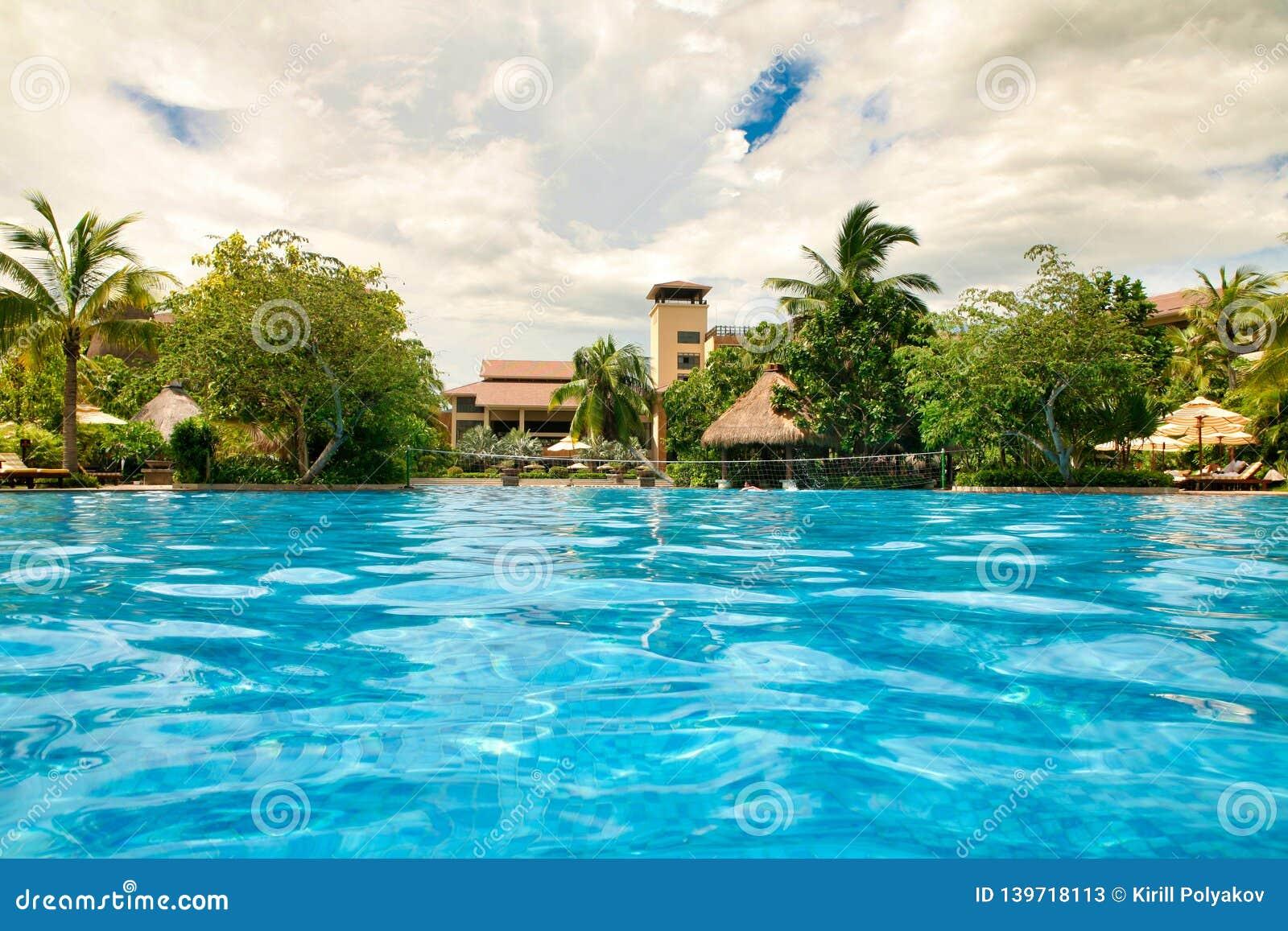 Hainan, China - 29 de junho de 2018: Vista bonita da associação no hotel de Kempinski na ilha de Hainan