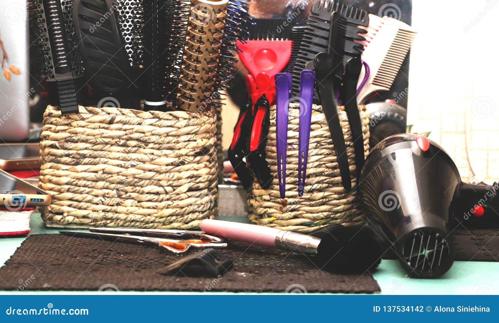Hairbrushes, barrettes i fryzjer instrukcje w salonie,