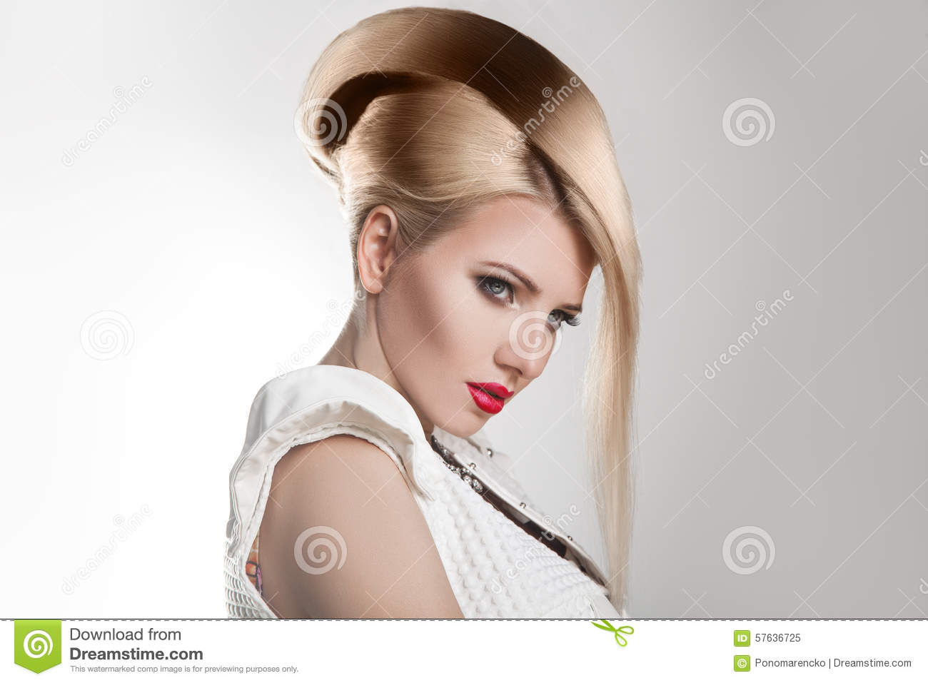 Prime Haircut Beautiful Girl With Healthy Short Blond Hair Hairstyle Short Hairstyles For Black Women Fulllsitofus