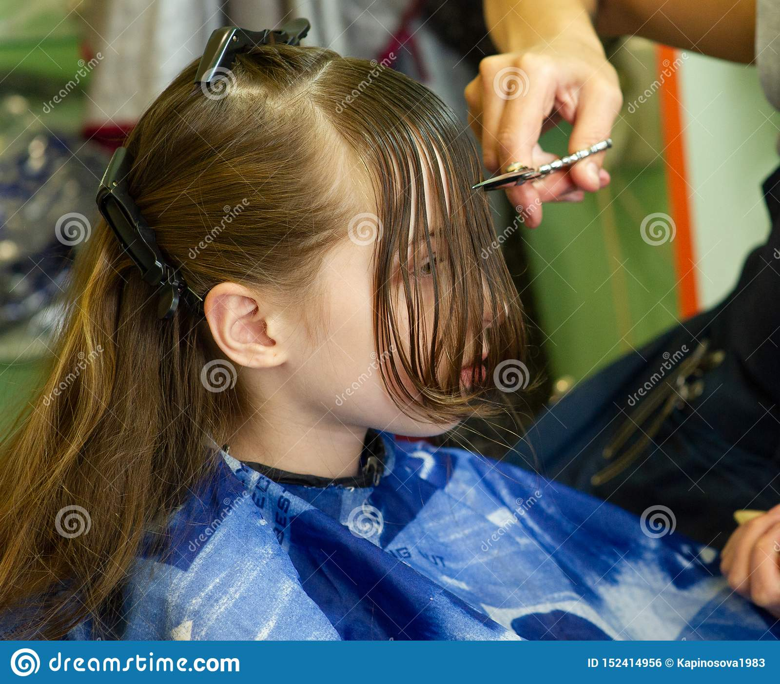 Astounding Hairdresser Making A Hair Style To Cute Little Girl Stock Photo Schematic Wiring Diagrams Amerangerunnerswayorg