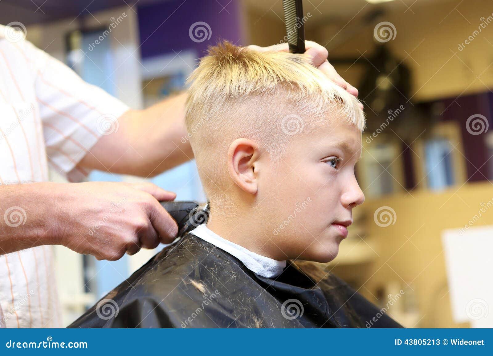 Детские прически для мальчиков на светлые волосы