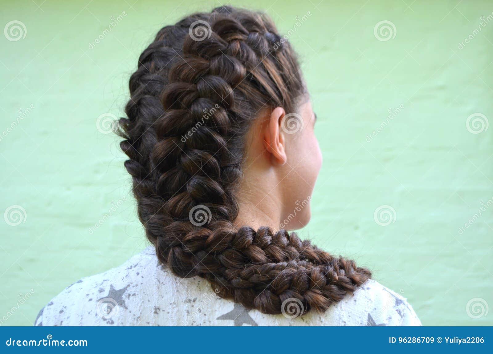 Hairstyle on medium length