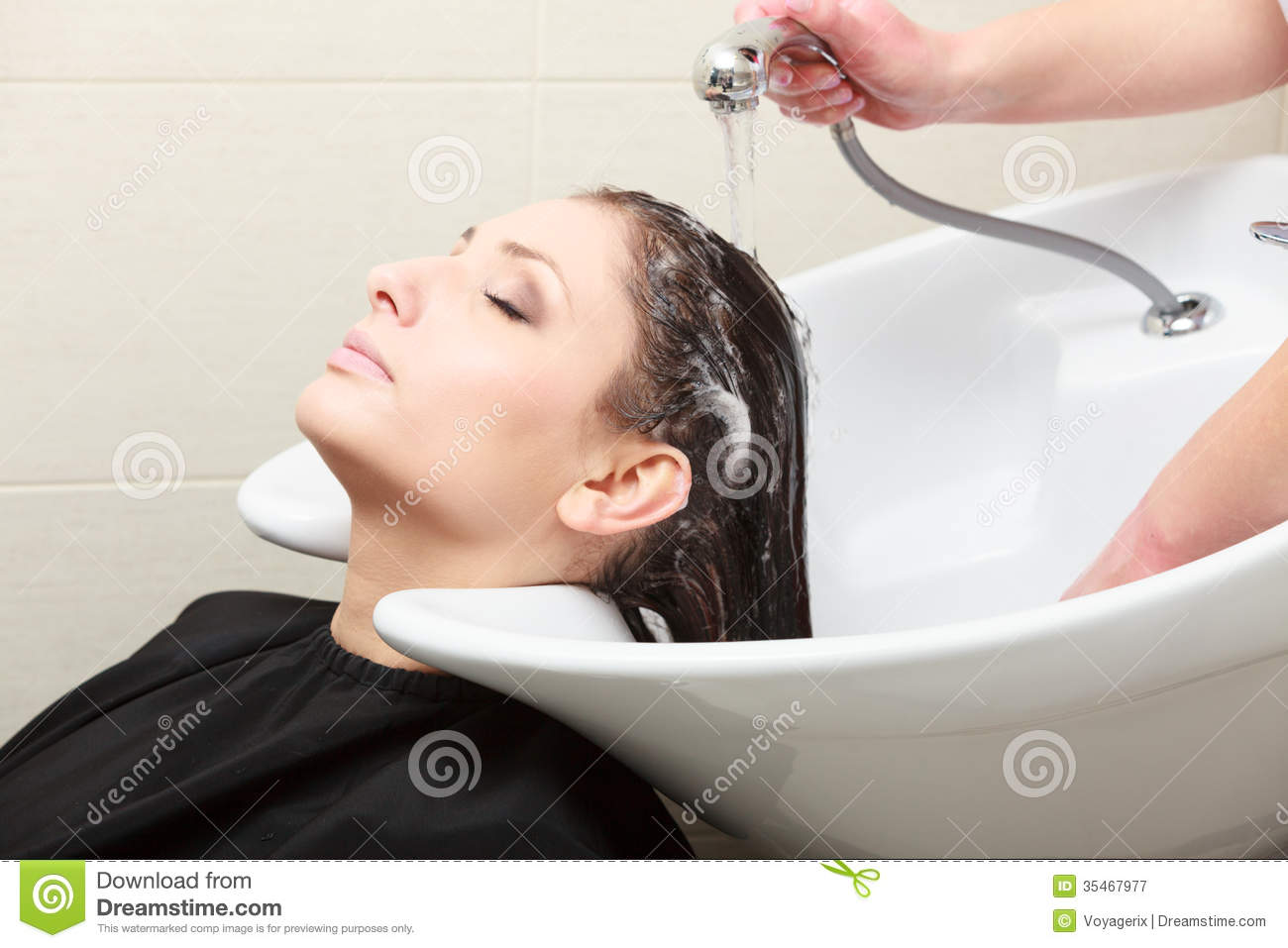 Hairstylist Washing Woman Hair Hairdressing Beauty Salon