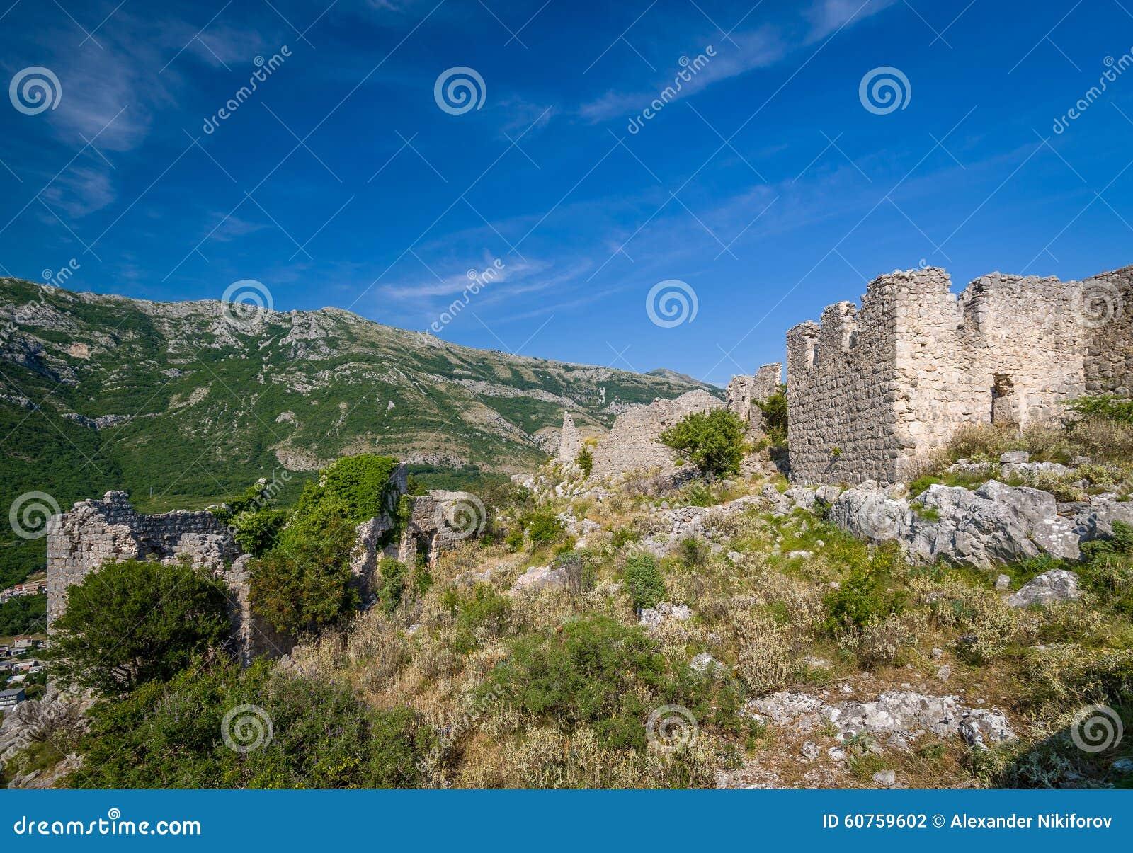 Haj-Nehaj ruinierte alte Festung