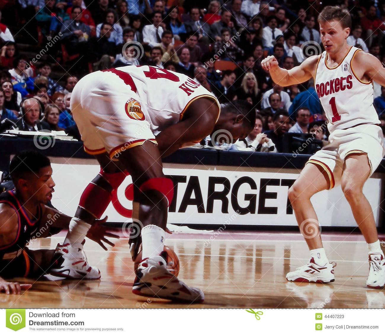 Hakeem Olajuwon And Scott Brooks Editorial Stock Image