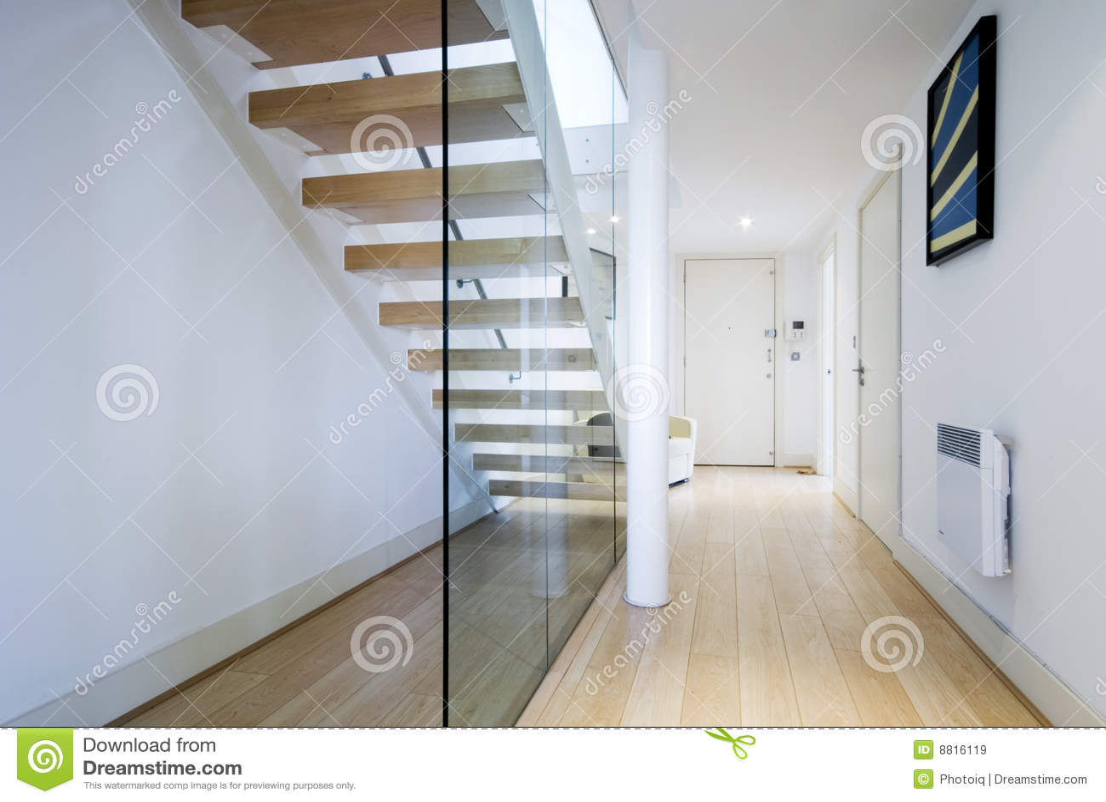 Hal met trap stock afbeelding afbeelding bestaande uit canvas 8816119 - Hal ingang ontwerp ...