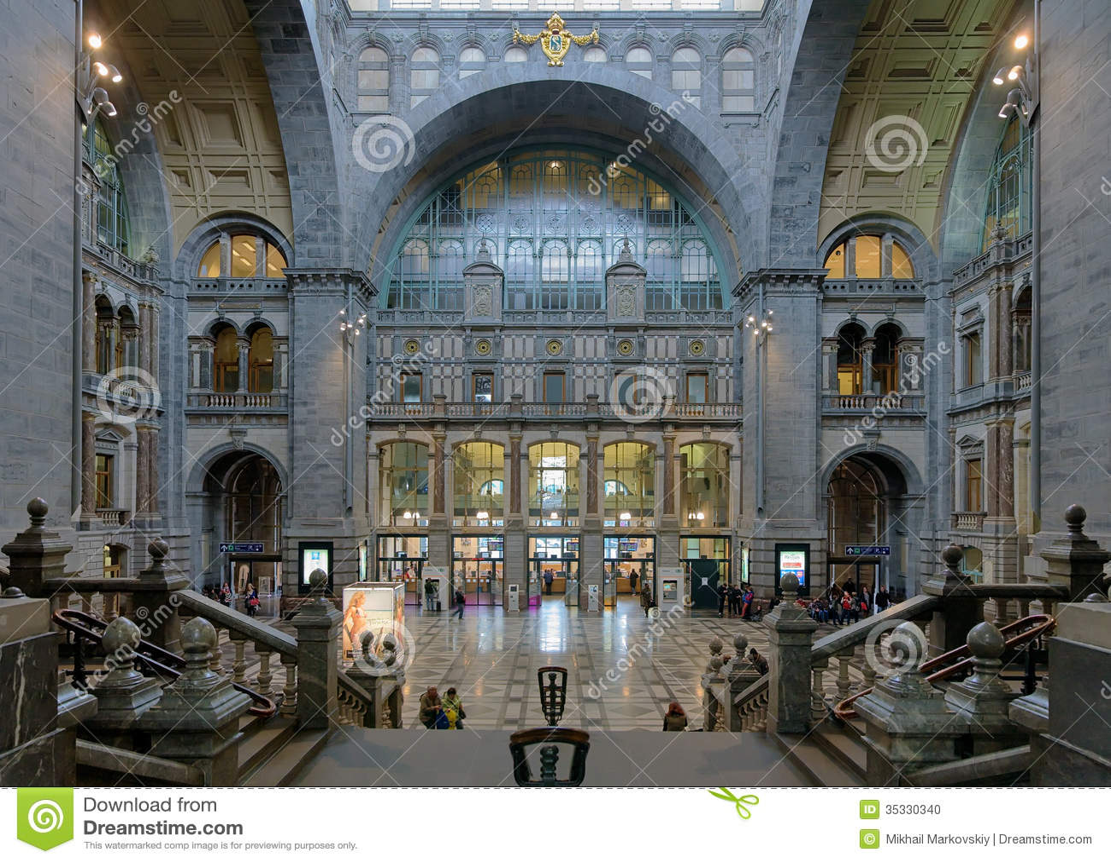 Hal van het centrale station van antwerpen redactionele afbeelding afbeelding 35330340 for Hal ingang