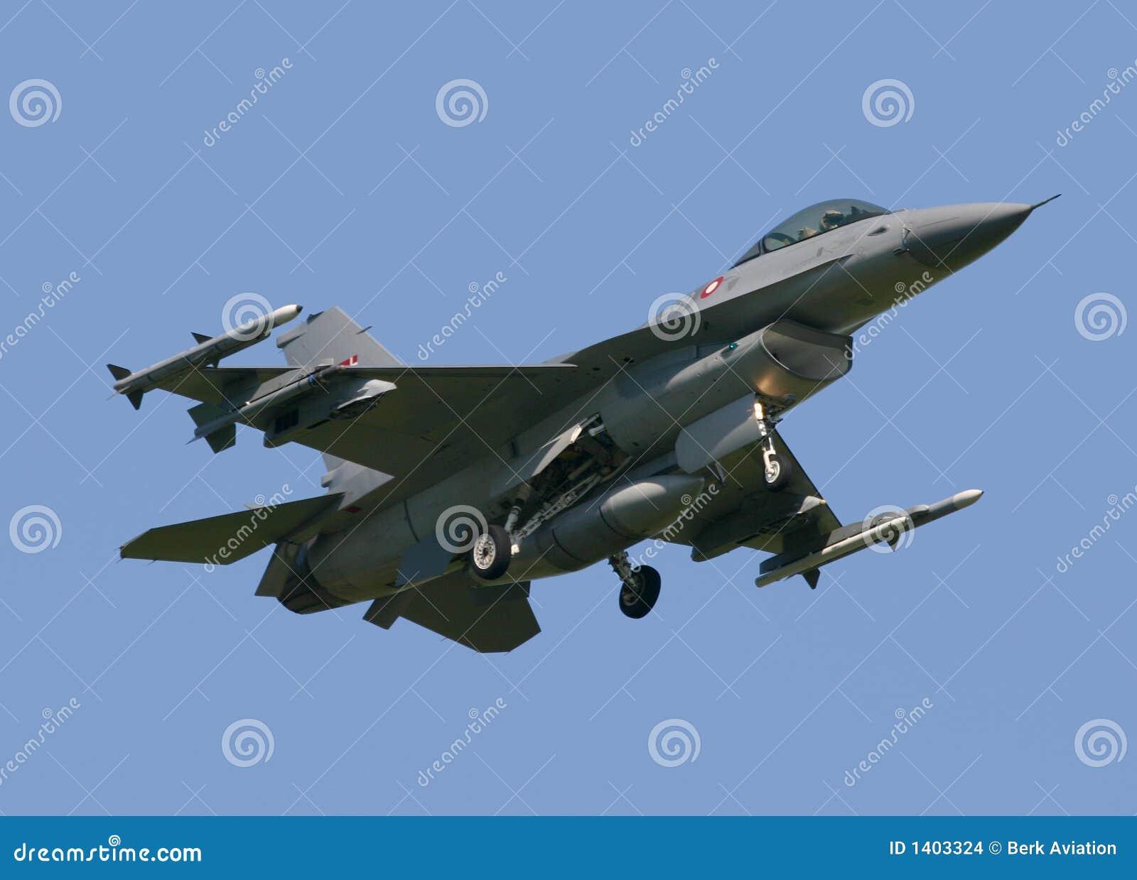 Halcón de la lucha F-16