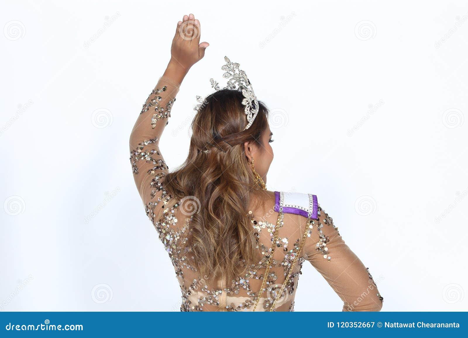 Asian model diamond d