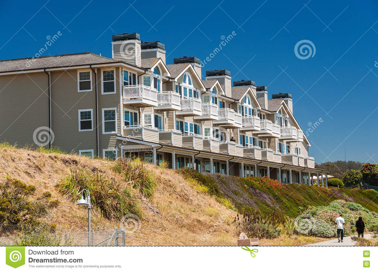 half moon bay online dating Great savings on hotels in half moon bay, saudi arabia online good availability and great rates read hotel reviews and choose the best hotel deal for your stay.