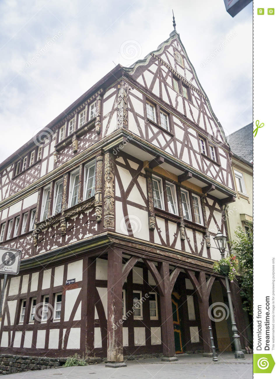 Half timbered house plans half timbered houses plans for Half timbered house plans