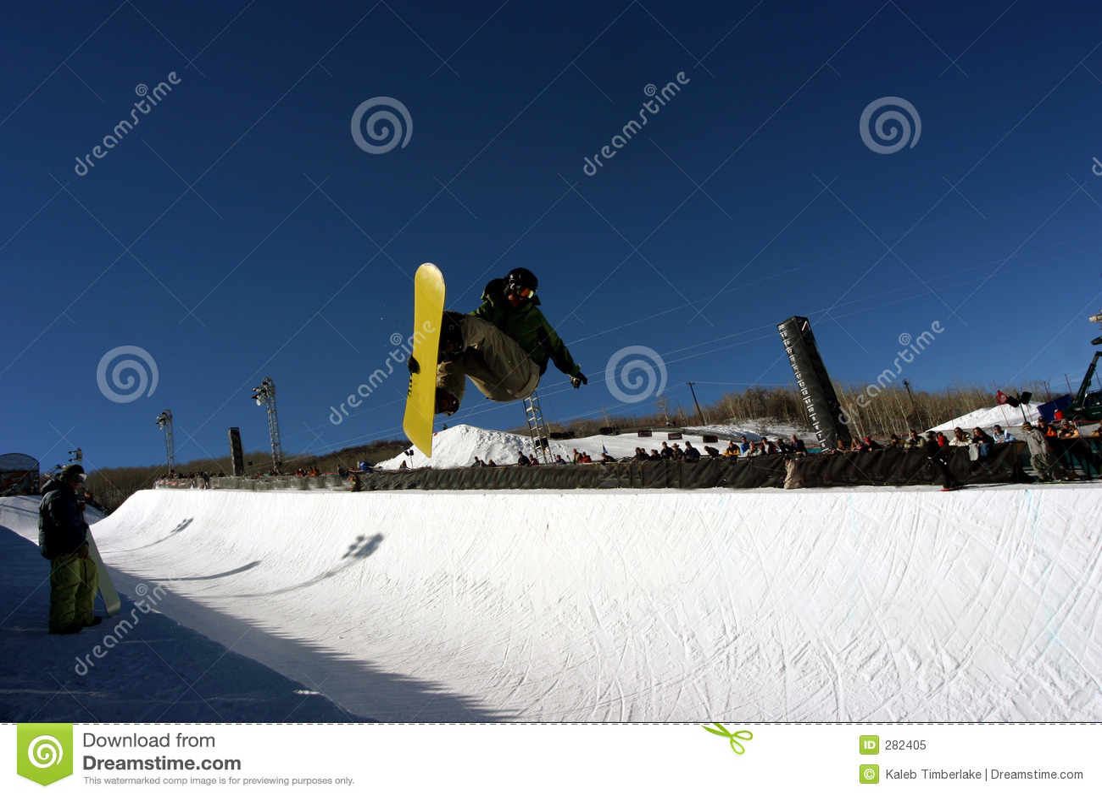 Halfpipe snowboarder 2