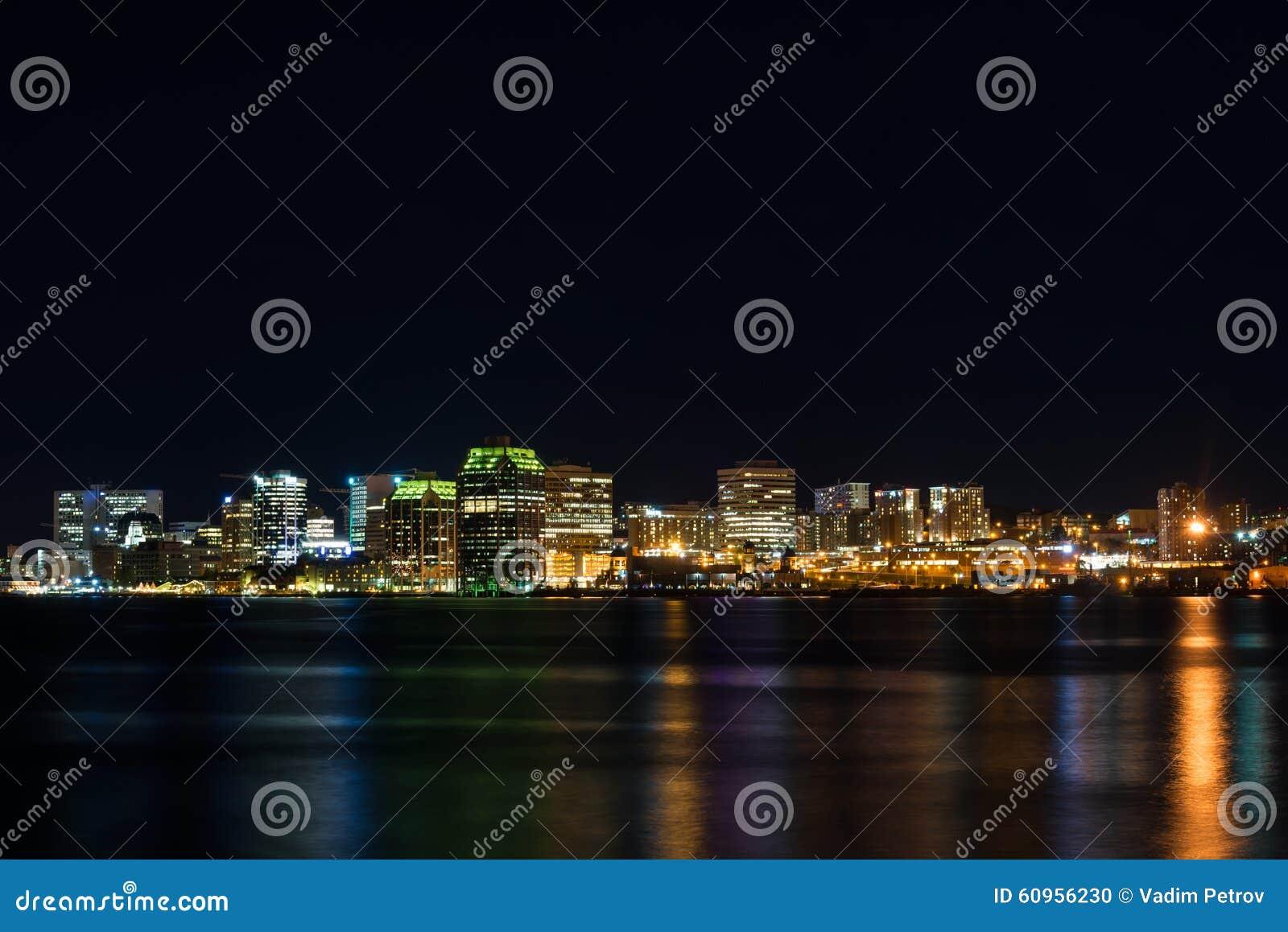 Halifax bij nacht