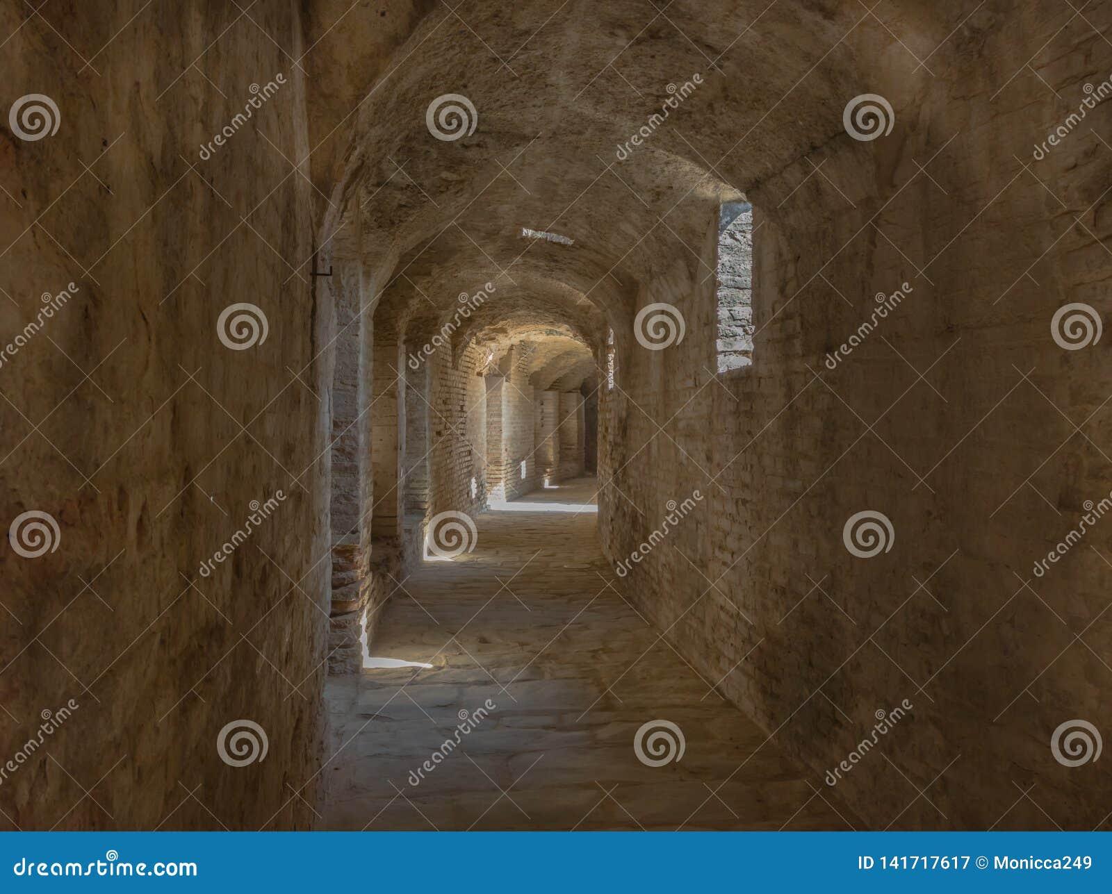 Hall av amfiteatern av den romerska staden av den Ità ¡ licaen