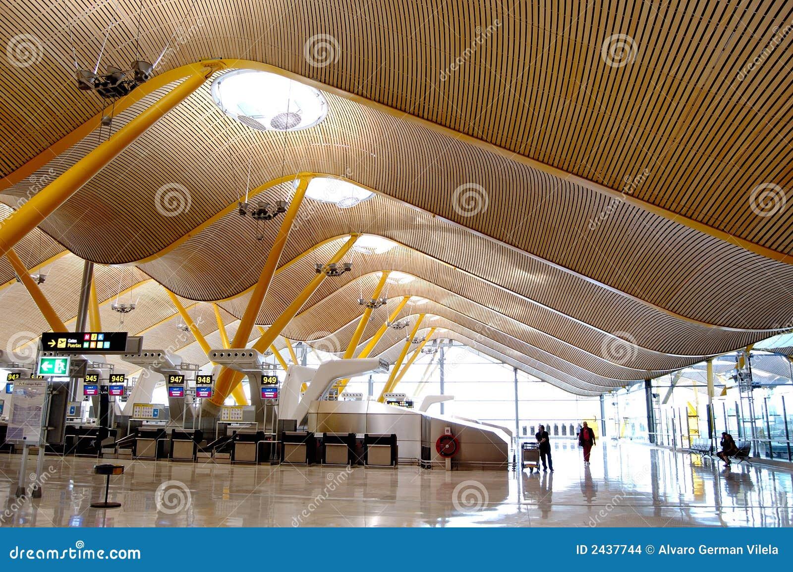 Hall d enregistrement d aéroport