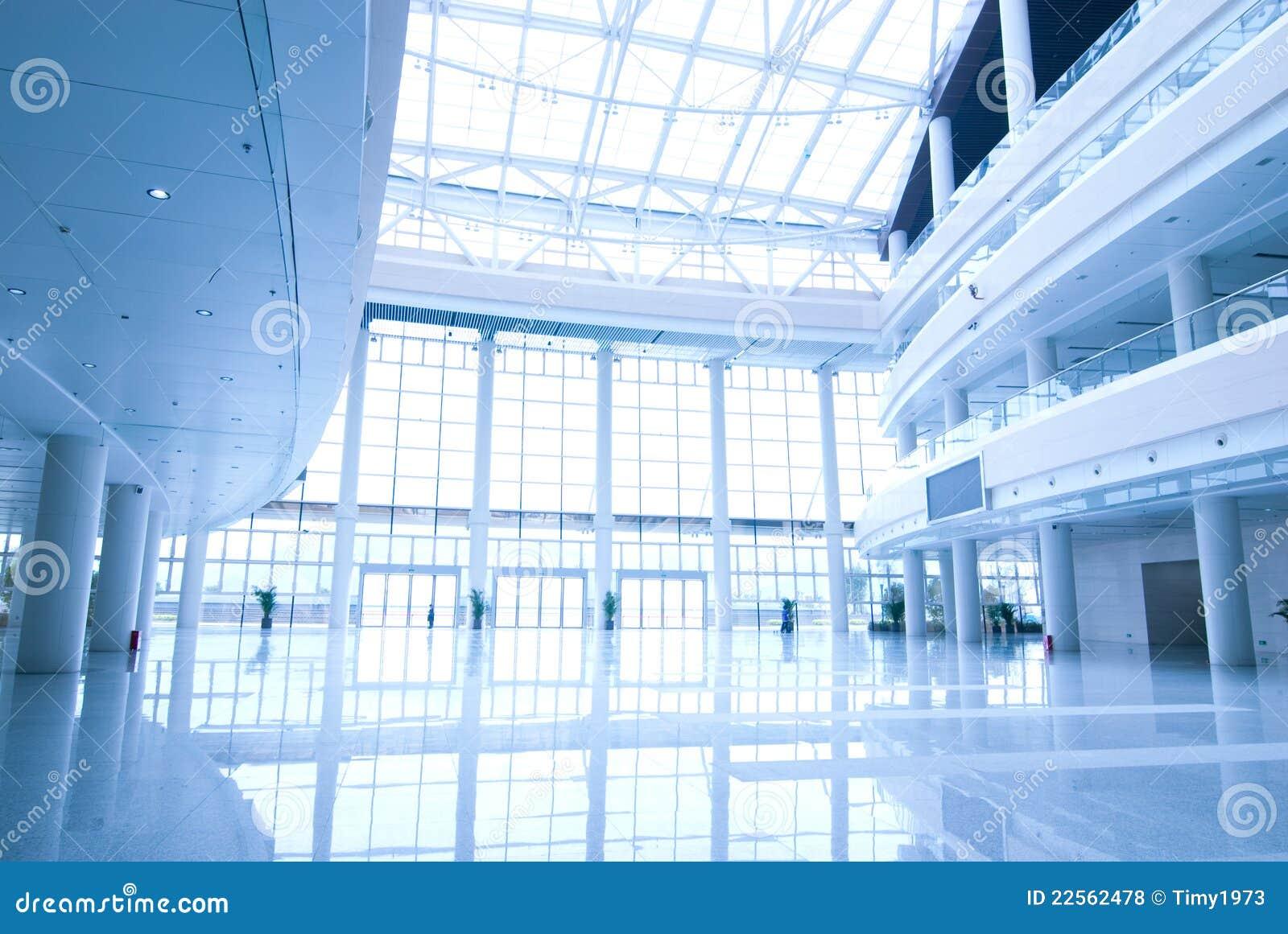 Hall d 39 immeuble de bureaux photos libres de droits image for Immeuble bureau plan