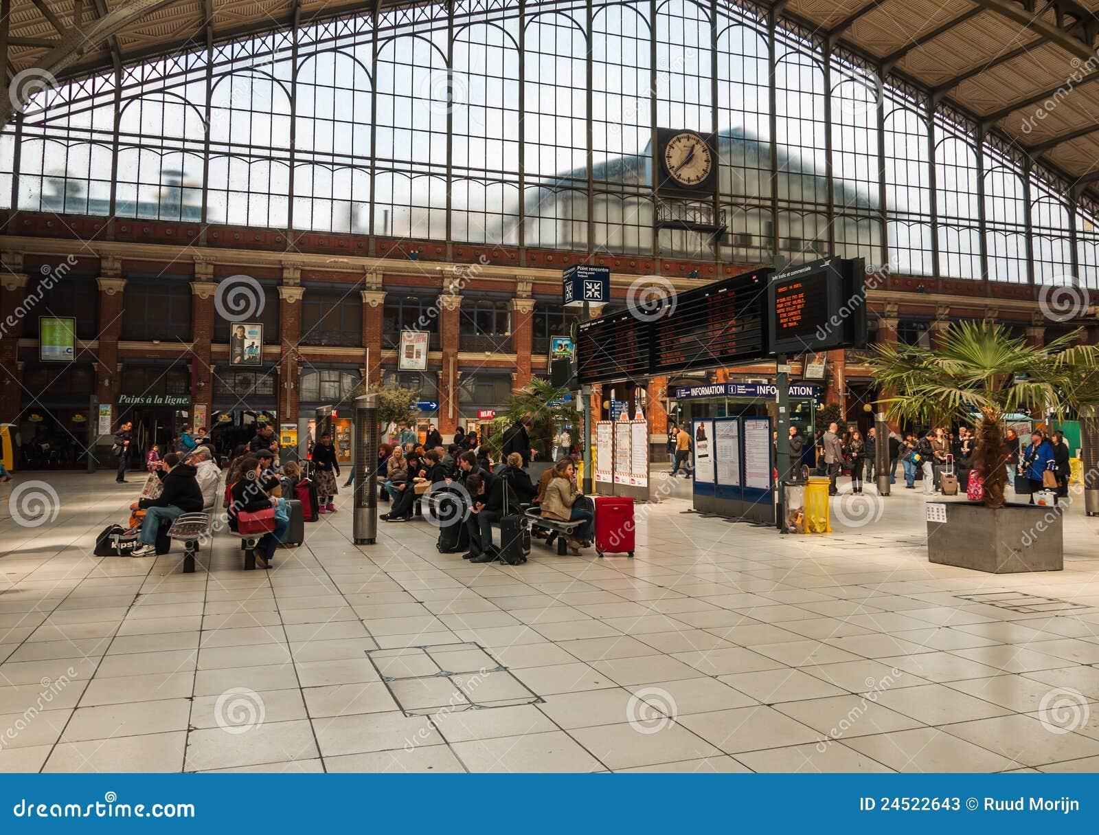 Hall de station de train lille flandres photo stock - Cabinet d ophtalmologie des flandres lille ...