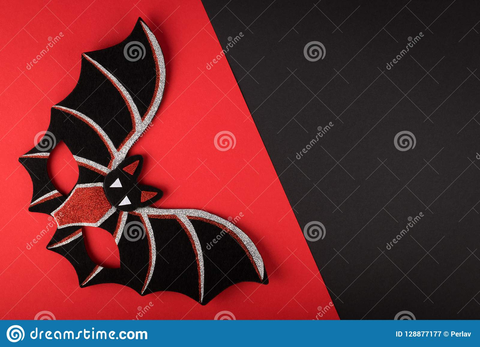 BAT EYE MASK IN RED /& BLACK