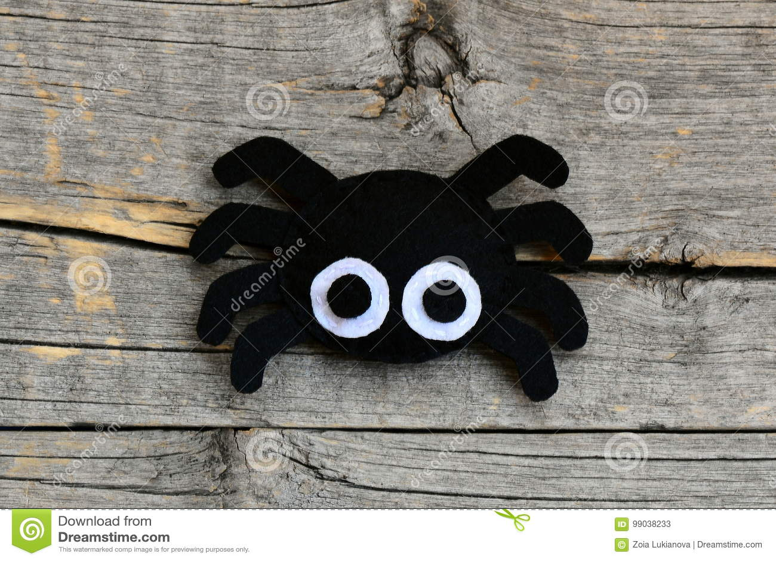 Creating A Felt Halloween Spider Ornament Step Cute Halloween