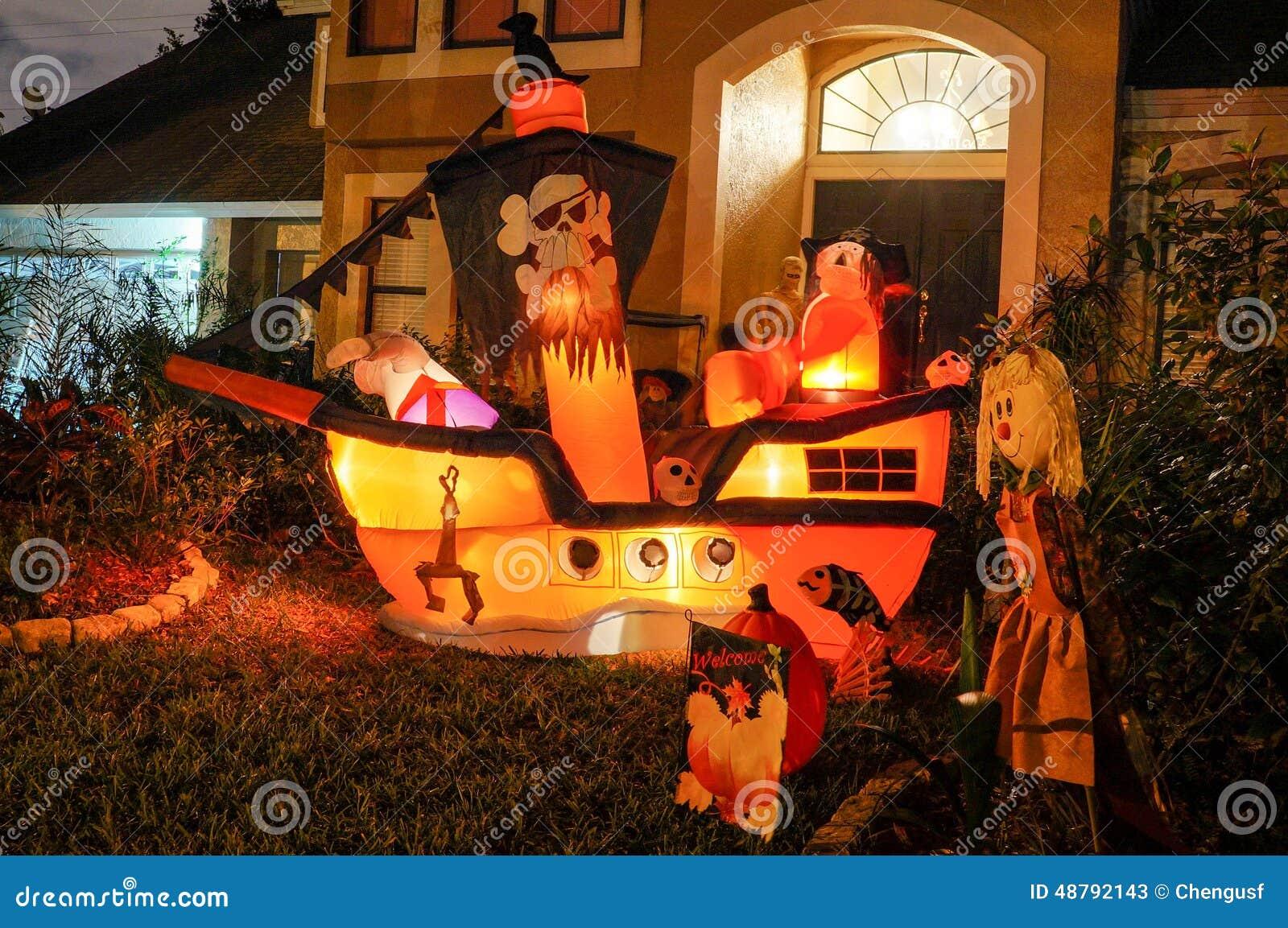 halloween dekoration in einem haus stockfoto bild 48792143. Black Bedroom Furniture Sets. Home Design Ideas
