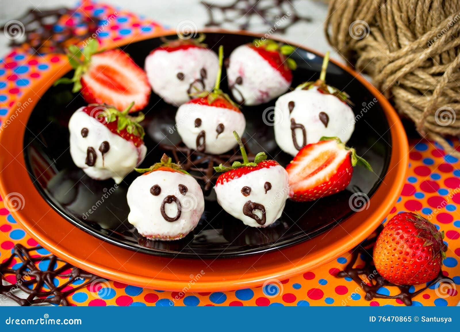 Halloween Dessert Strawberries In Melted White Chocolate