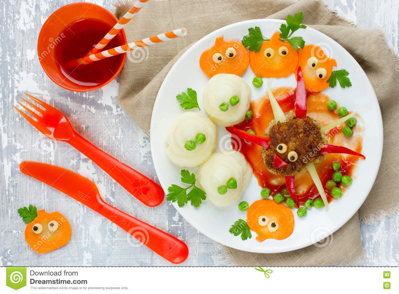 halloween dinner or lunch for kids spider meatball mashed pot stock photo - Halloween Dinner Kids