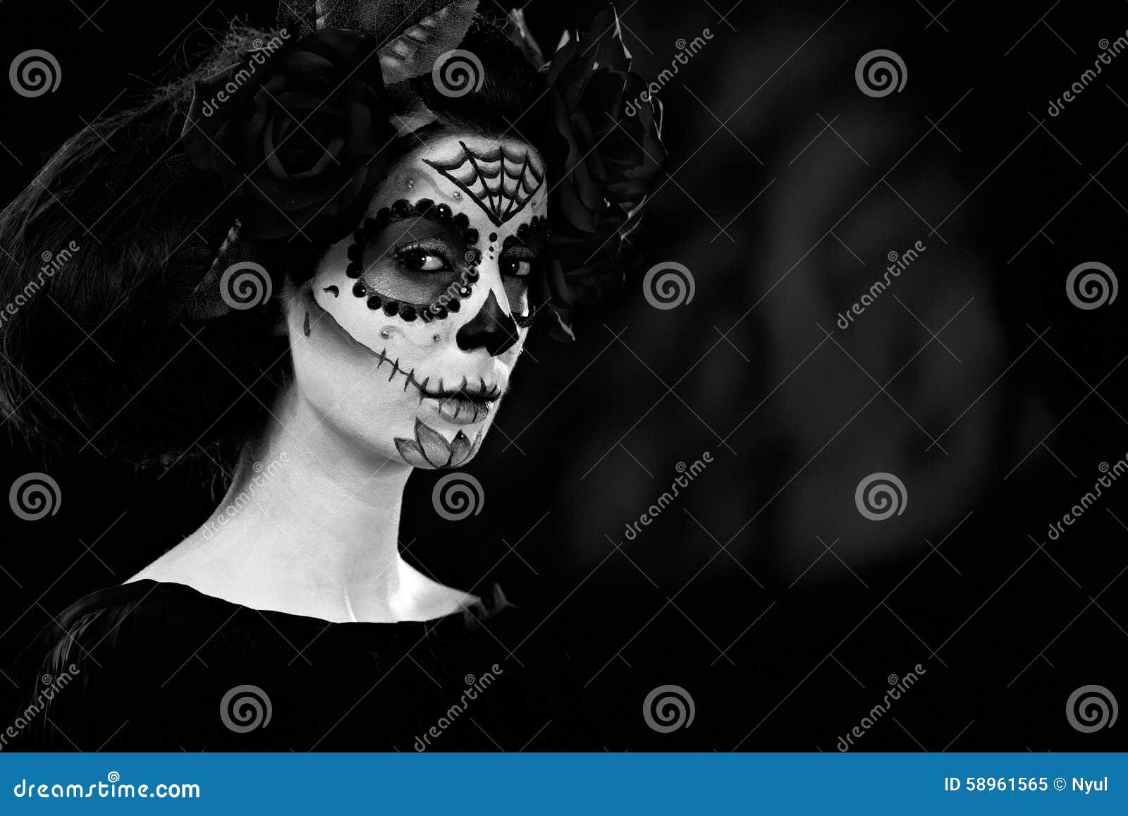 Halloween en blanco y negro foto de archivo imagen 58961565 - Blanco y negro paint ...