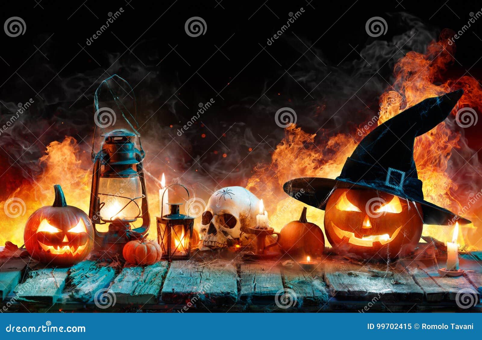 Halloween en la llama - calabazas ardiendo