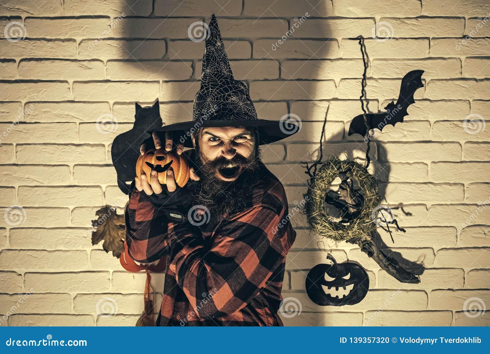 Trick Or Treat Halloween Evil Pumpkin Scary Jack-o-lantern Horror Mens T-shirt