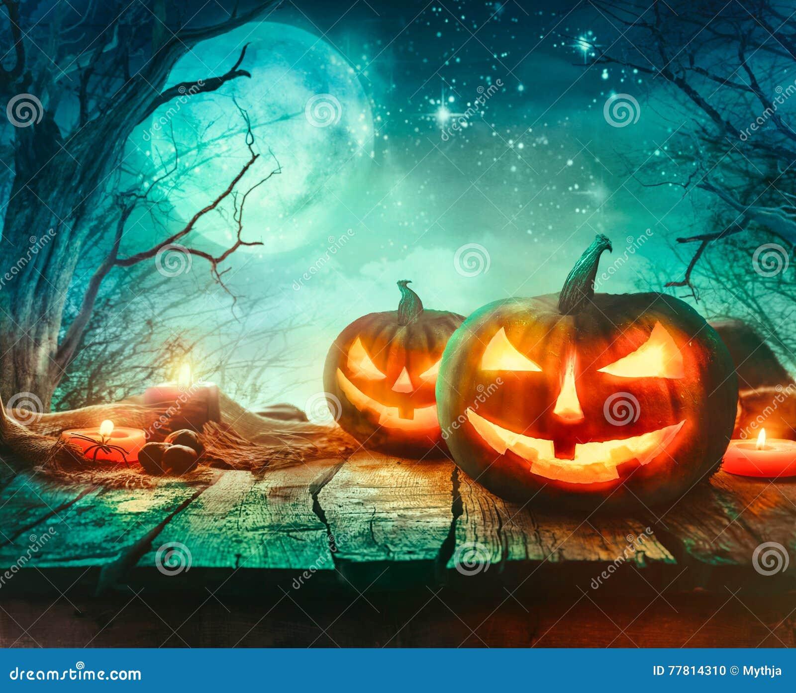 Halloween-Ontwerp met Pompoenen