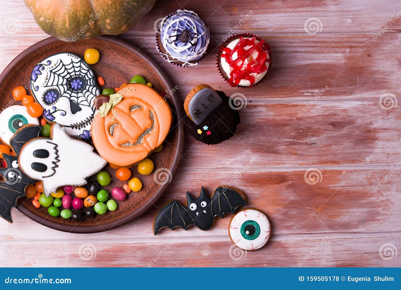 Halloween Party Content. Halloween Gingerbread Cookies On ...