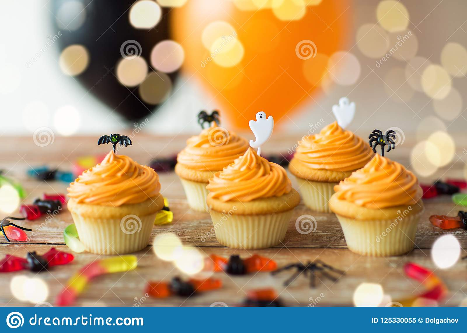 Halloween Party Cupcakes And Can s Table Stock Image