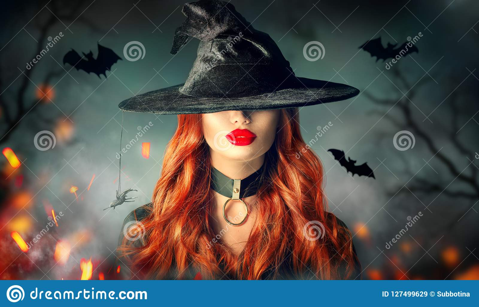 Halloween Retrato Sexy Da Bruxa Mulher Bonita No Chapeu Das