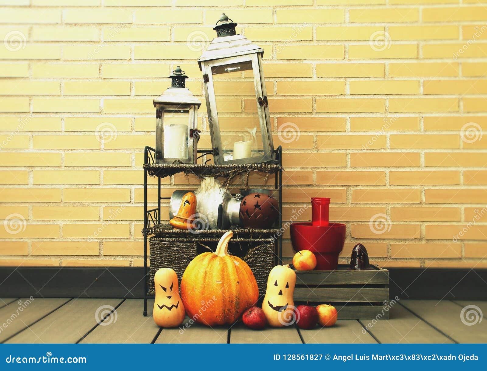 Halloween-stilleven in een muur