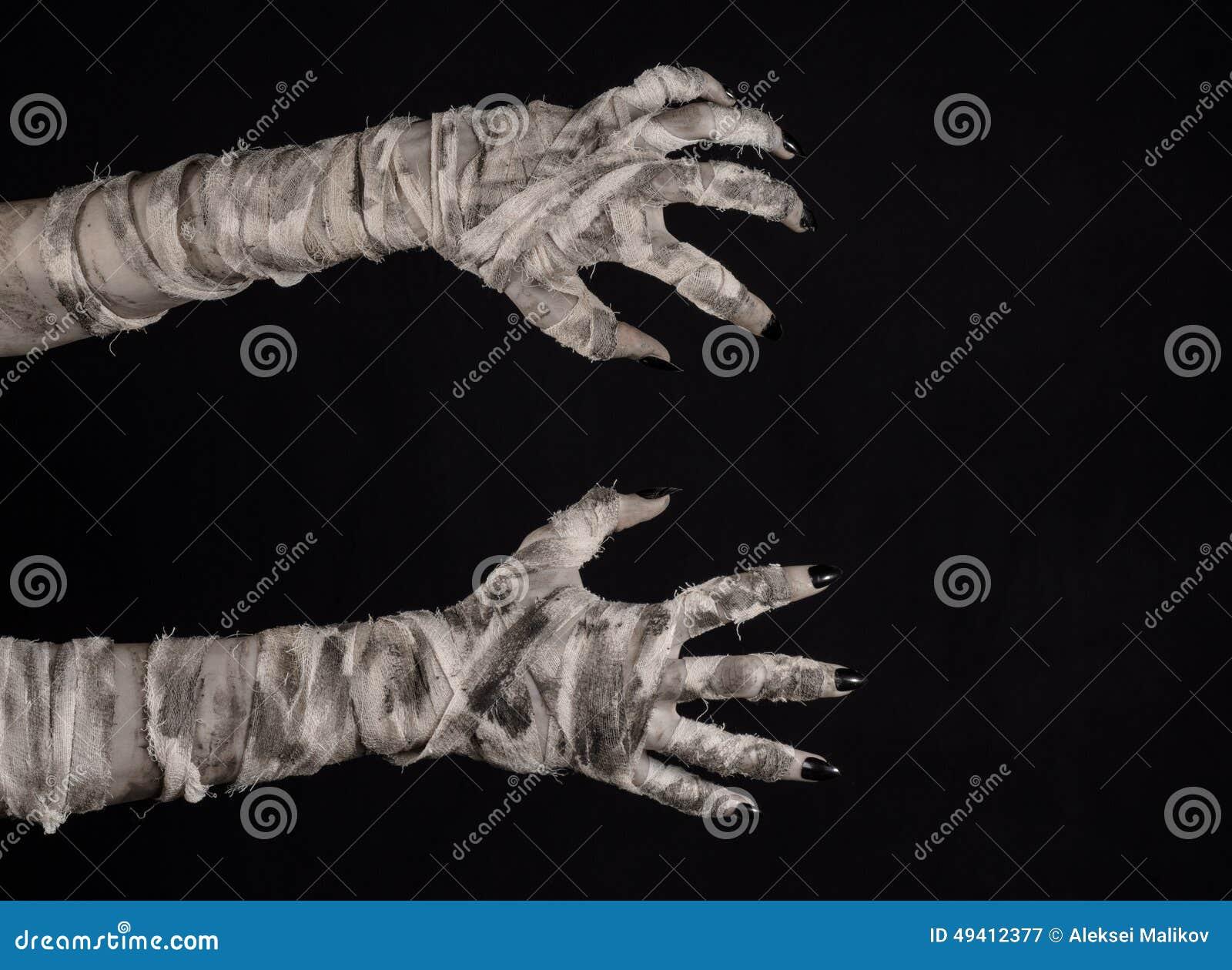 Download Halloween-Thema: Schreckliche Alte Mamahände Auf Einem Schwarzen Hintergrund Stockbild - Bild von finger, creepy: 49412377