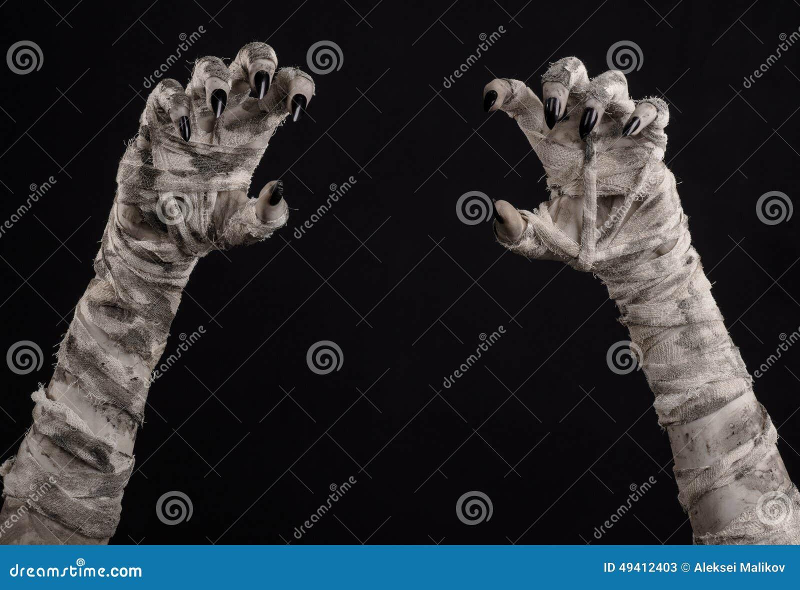 Download Halloween-Thema: Schreckliche Alte Mamahände Auf Einem Schwarzen Hintergrund Stockbild - Bild von mystiker, creepy: 49412403