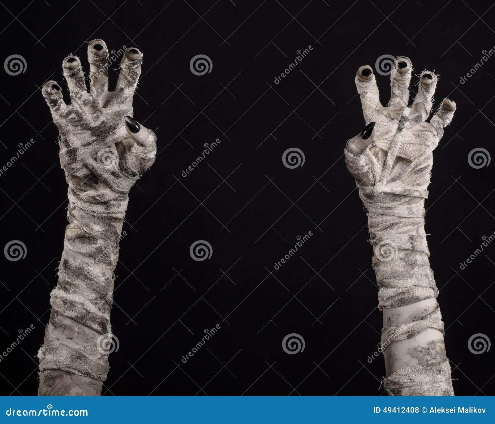 Download Halloween-Thema: Schreckliche Alte Mamahände Auf Einem Schwarzen Hintergrund Stockfoto - Bild von schmutzig, mystiker: 49412408