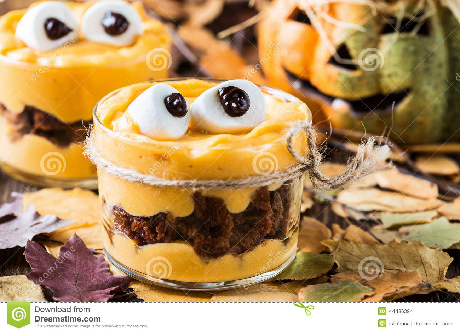 Halloween treats little monster dessert stock photo image 44486394 - Recette dessert halloween ...