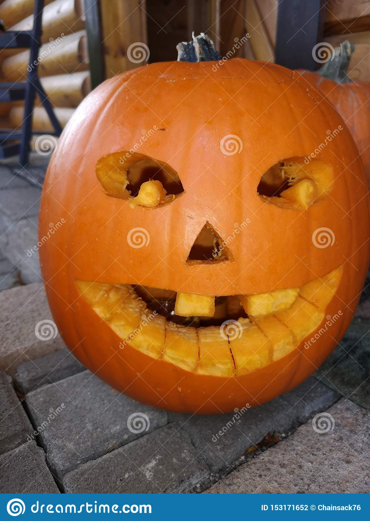 Halloweenowa dyniowa zabawa