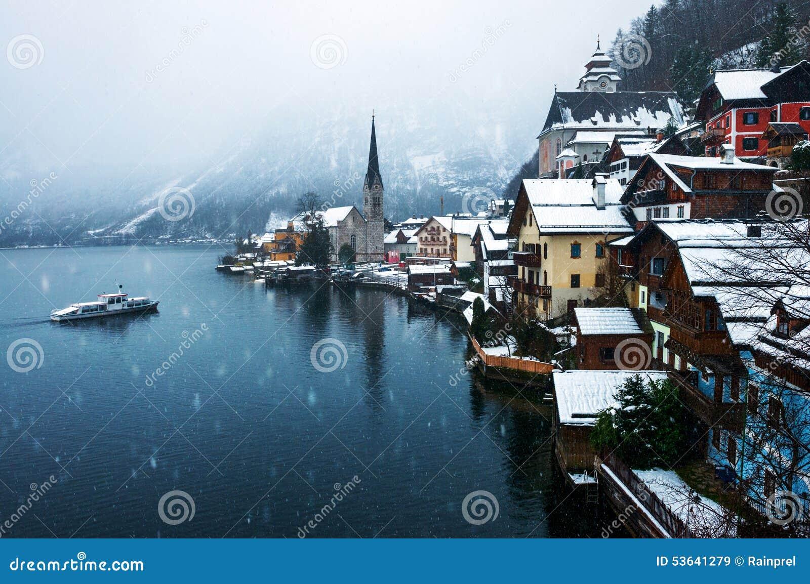 Hallstatt,奥地利镇在冬天