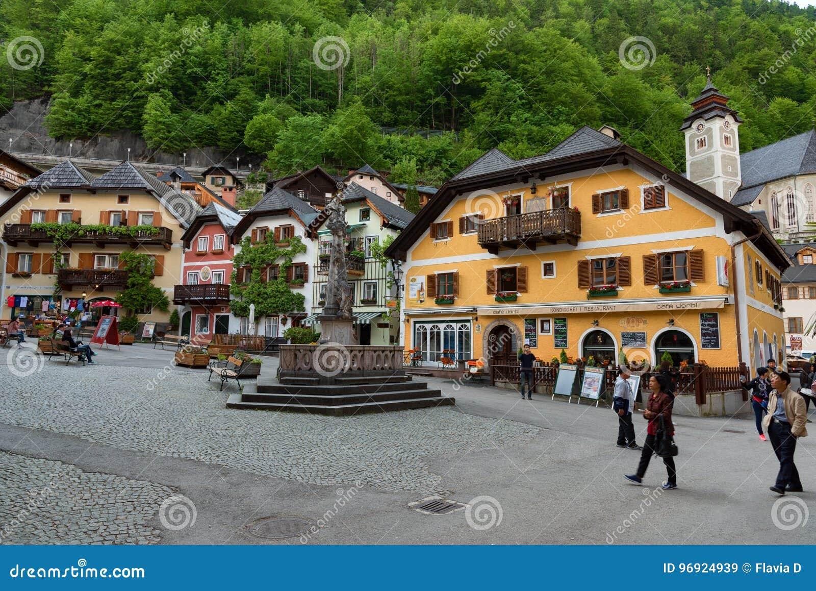 Fiori 21 Maggio 2017.Hallstatt Austria 21 Maggio 2017 Piazza In Hallstatt Austria