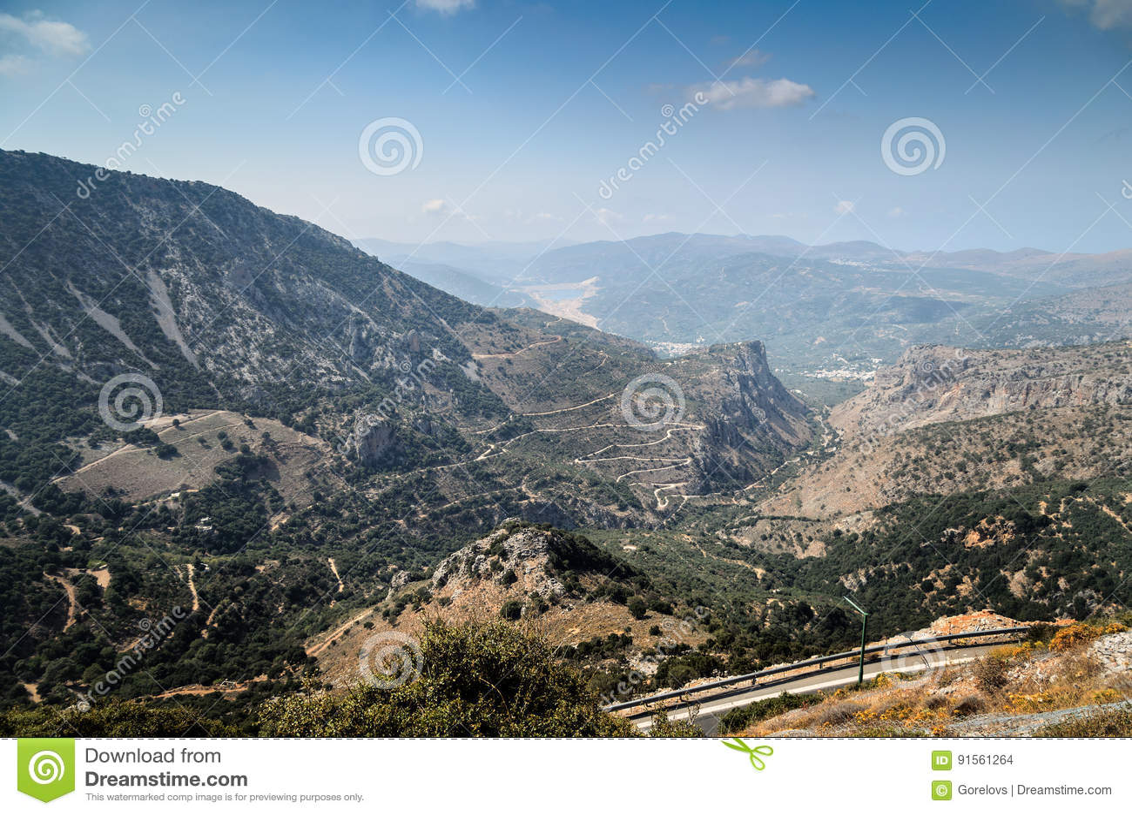 Halne drogi i piękny krajobraz Crete wyspa, Grecja