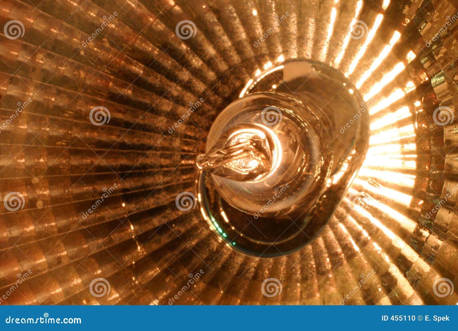 Halogen spotlight (macro)
